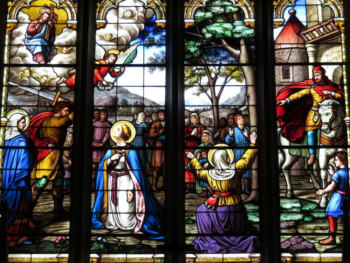 Vitraux de l'église de Sainte-Gemme-la-Plaine