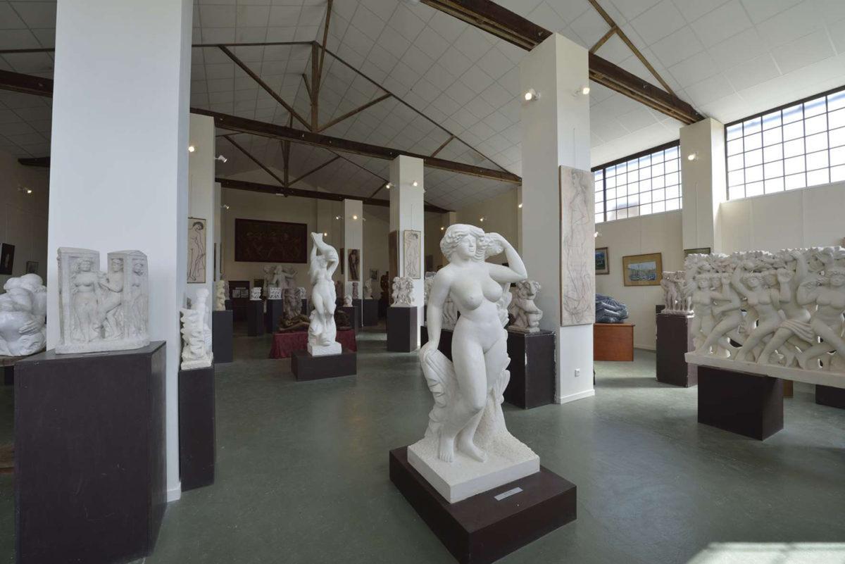 Sculptures d'André Deluol à Saint-Michel-en-l'Herm