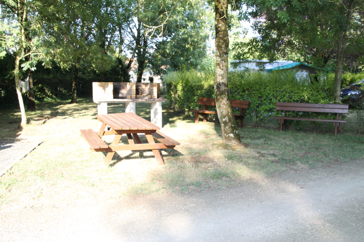 Camping-le-vieux-chene-nalliers-85-hpa (4)